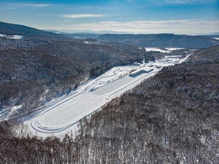 Тесты шин на снежной трассе
